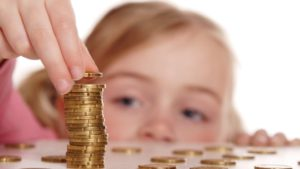 Как учить детей финансам